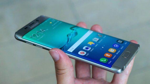 Наборту самолета вИндии задымился смартфон Самсунг Note 2