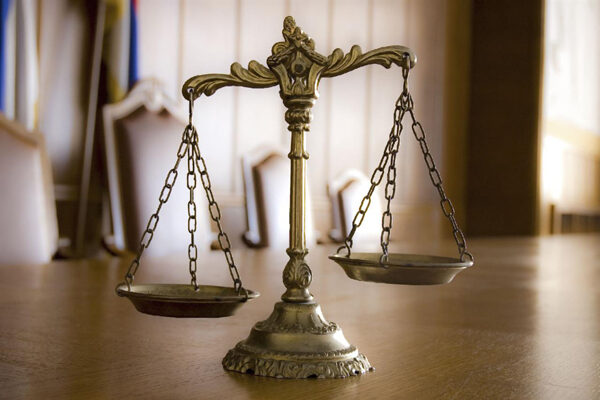 Суд США обязал Apple выплатить сотни млн. долларов занарушения прав автора