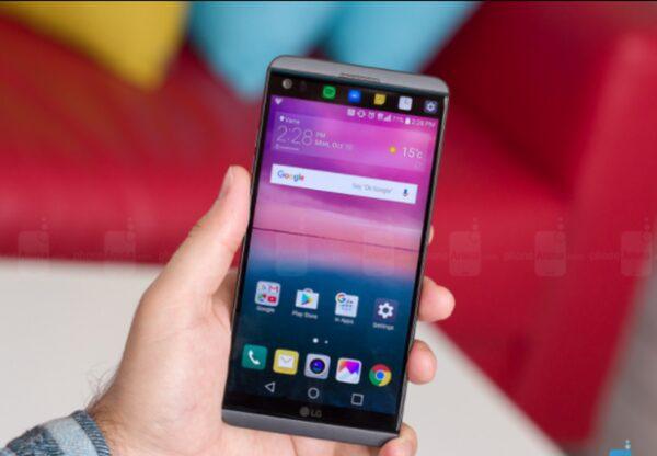 LGV30 получит изогнутый OLED-дисплей