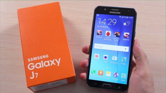 Самсунг  Galaxy A3 (2016) начал обновляться до андроид  7.0 Nougat