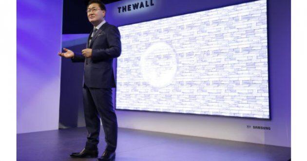 Samsung представила первый в мире 146-дюймовый модульный MicroLED-телевизор