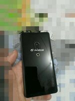 Снимки показывают дизайн Meizu 15 Plus и Meizu 15 Pro